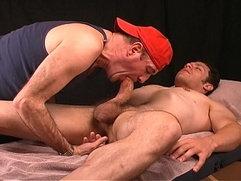 dude from street fair get gay rub.