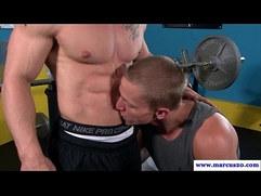 Straight pornstar sucking muscle cock