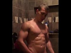 filmando o gostosinho no banho